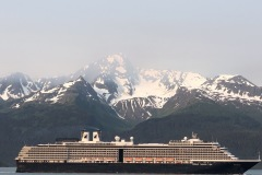 Cruiser liner leaving Seward